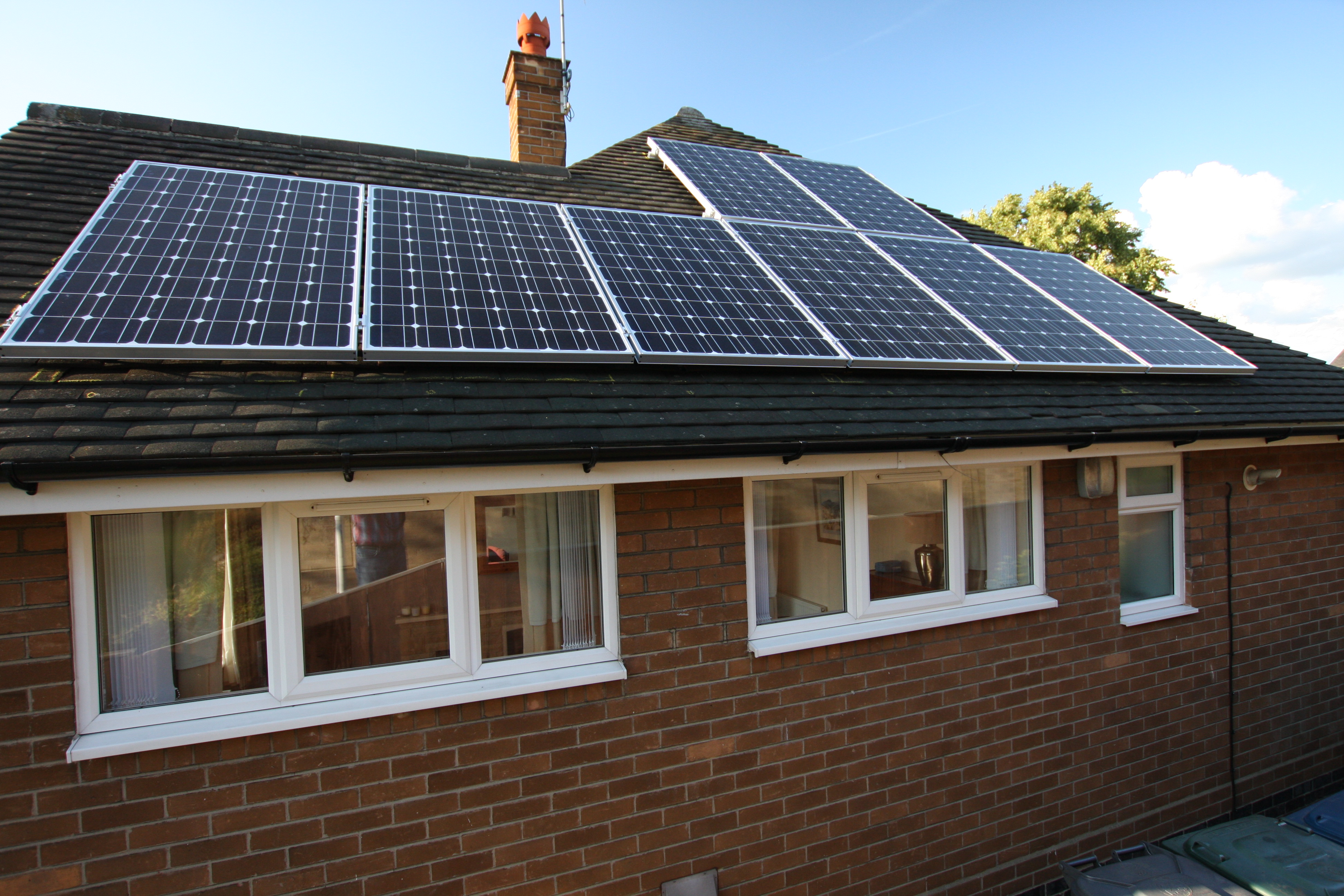 Solar Panels Fitted Onto Flat Roofs Using Quot Ballast Trays